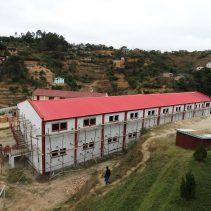 Costruzione di una scuola nel villaggio di Ambatovory a FIANARANTSOA